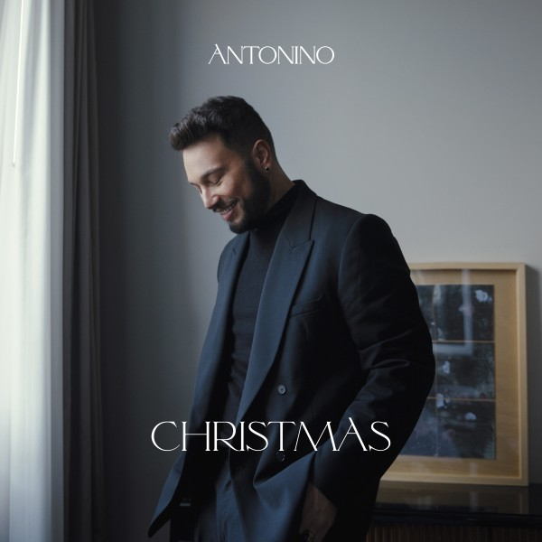 """Antonino – """"O Holy Night"""" / """"Have Your Self a Merry Little Christmas"""""""